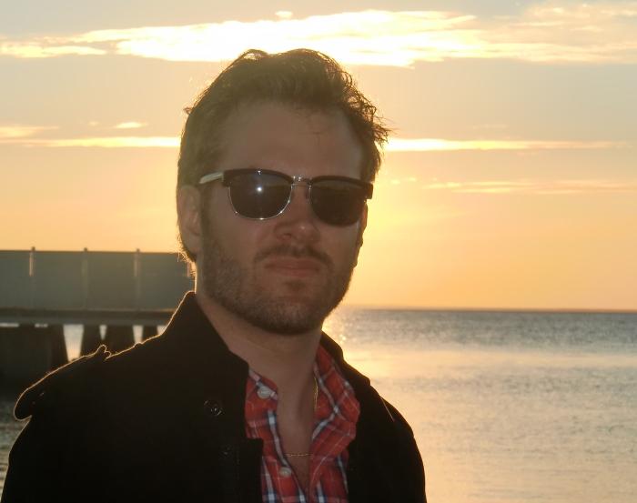 Jakob E:son Söderbaum med Kalmarsund i bakgrunden